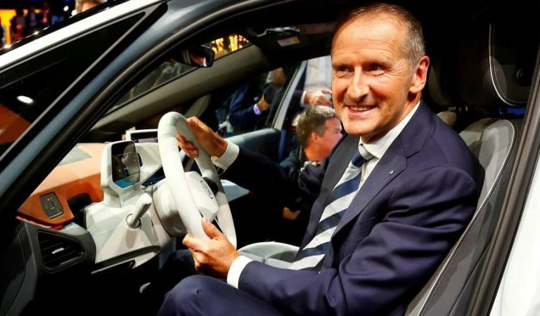 Semiconductor crisis wipes €500m off Volkswagen profits